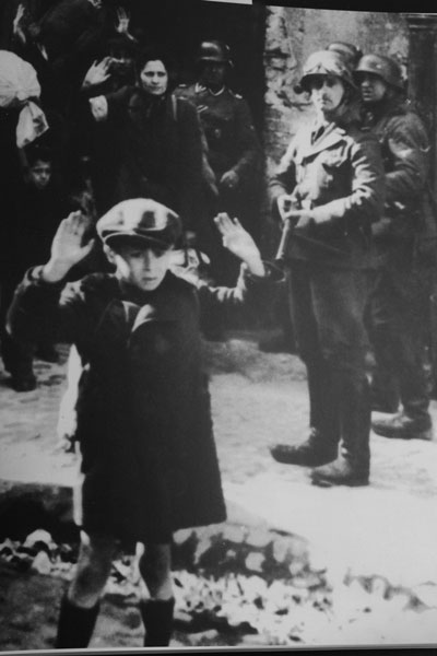 0413 - Holocaust - Jewish boy