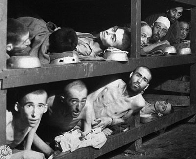 0413 - prisoners in Auschwitz