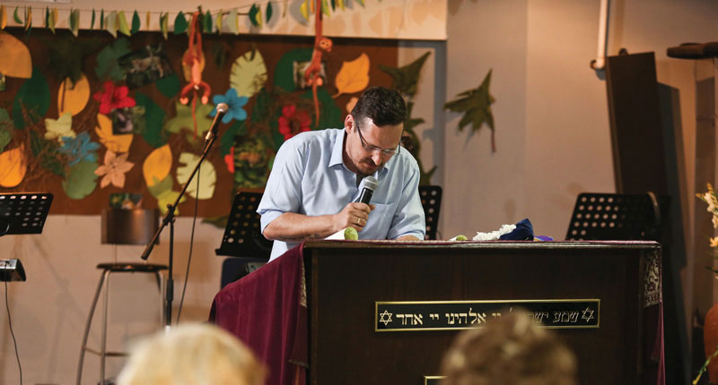 0417 - Yariv teaches on the weekly Torah Portion
