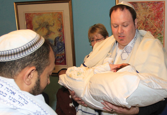 1012 - Kobi presents Sela to the mohel