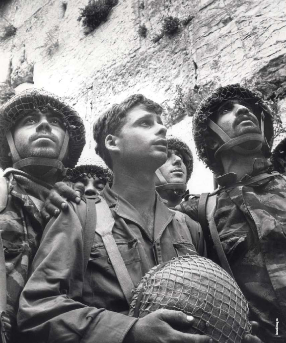 0607-soldiers-in-jerusalem-1967